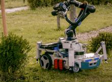 Trimbot 2020 robot gradina
